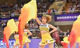 八国男篮争霸赛 美女热舞助阵