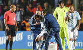 阿根廷1-0 梅西受伤被搀扶下场