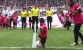 日本足球联赛让猴子开球遭狠批