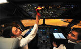 探访南航90后机长 春运期间一天飞行7.5小时