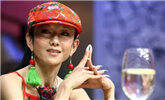杨丽萍指甲留20年保养每年花十万