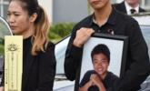 美国以全军礼安葬校园枪击案华裔少年