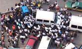北京:10余名城管围殴旁观执法男子