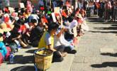 大理:百名摊贩抗议城管暴力执法