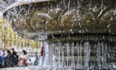 武汉的喷泉都结冰了!