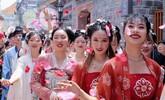 南昌万寿宫历史学问街举办首届花朝节(图)