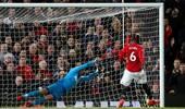 英超-博格巴复出传射伊布赛季首秀 曼联4-1逆转纽卡