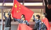 中国队勇夺世界冠军!iG横扫FNC 时隔8年成功登顶