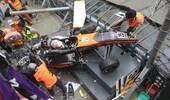 17岁女车手赛车失控飞出赛道 事故致5人受伤