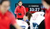 中国女子冰壶再次惨败 领队批队员:脑子哪去了?