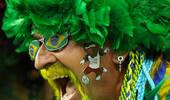 盘点球迷个性发饰:要想比赛如意 头上必须带绿