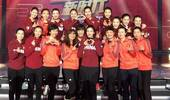 郎平领18位女排奥运冠军现身拜年 一语让朱婷落泪