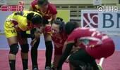 在印尼打球的云南女排队长受伤 表情痛苦伤情未知