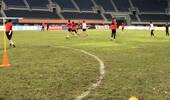 重庆主帅质问中国足球:场地为何这么烂?