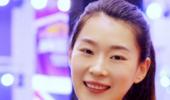 中国女排新亮点!23岁边缘主攻神逆袭 为救球撞上护栏