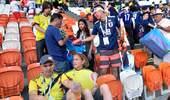 日本球迷赛后捡垃圾!哥伦比亚球迷:他们更出色