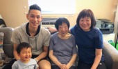 林书豪晒自家四世同堂合照:我爱我的家人