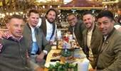 一图流:一众拜仁慕尼黑名宿参加啤酒节