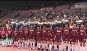 太逗了!中国女排一大将遇身高太矮的尴尬,借朱婷当柱子垫脚终过关