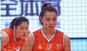 上海女排终结四连胜!曾春蕾刘晓彤助阵北京,直击攻克联赛领头羊