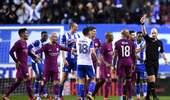 足总杯-德尔夫染红沃克送大礼 曼城0-1维冈无缘八强