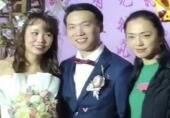姚晨素颜参加婚礼