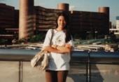 梁咏琪15岁旧照长发披肩