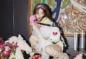 韩国女星红唇时尚画报