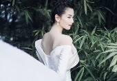 刘涛露美背飘仙气
