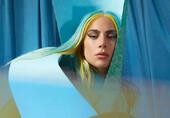 Lady Gaga夸张造型时尚前卫