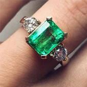 17枚祖母绿戒指 戴出来你才知道它们有多美