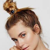 给你的丸子头变变样 买件别致的发饰就这么简单