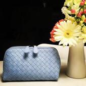 4560元入Bottega Veneta水蓝色化妆包