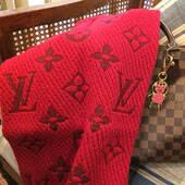 败家旅行:2300元入LV羊绒围巾