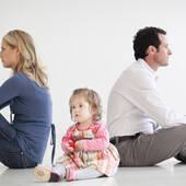 调查:该不该为孩子维持不幸婚姻?
