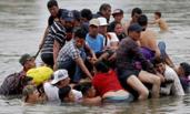 近4千移民涌向美国