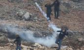 巴勒斯坦人与以色列士兵发生激烈冲突