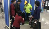 福州:孕妇地铁站内生娃 仅用20分钟