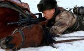 新疆边防连冰雪世界上演人马结合训练