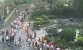 河北:强降雨致市民排队取水