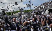 美国西点军校毕业典礼 祖籍山东女学生获毕业证