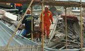上海一楼房倒塌救援现场