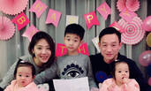 杨威双胞胎女儿1岁生日 杨阳洋与俩妹妹合影超有爱