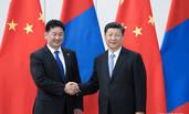习近平会见蒙古国总理呼日勒苏赫