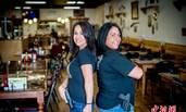美国这家餐厅服务员配枪上岗