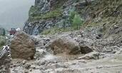 西藏强降雨至泥石流 318国道交通中断