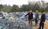 江西村庄被数百吨垃圾围困