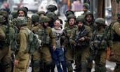 16岁巴勒斯坦少年被22名士兵蒙眼押走