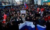 俄罗斯爆发全国反普京示威