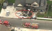 美国男子开飞机撞自己家